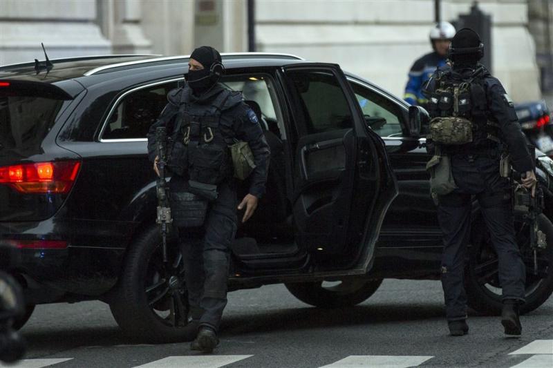 'Terroristen verstopten wapens op school'