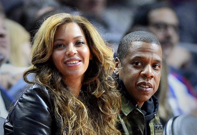 Beyoncé showt tweeling