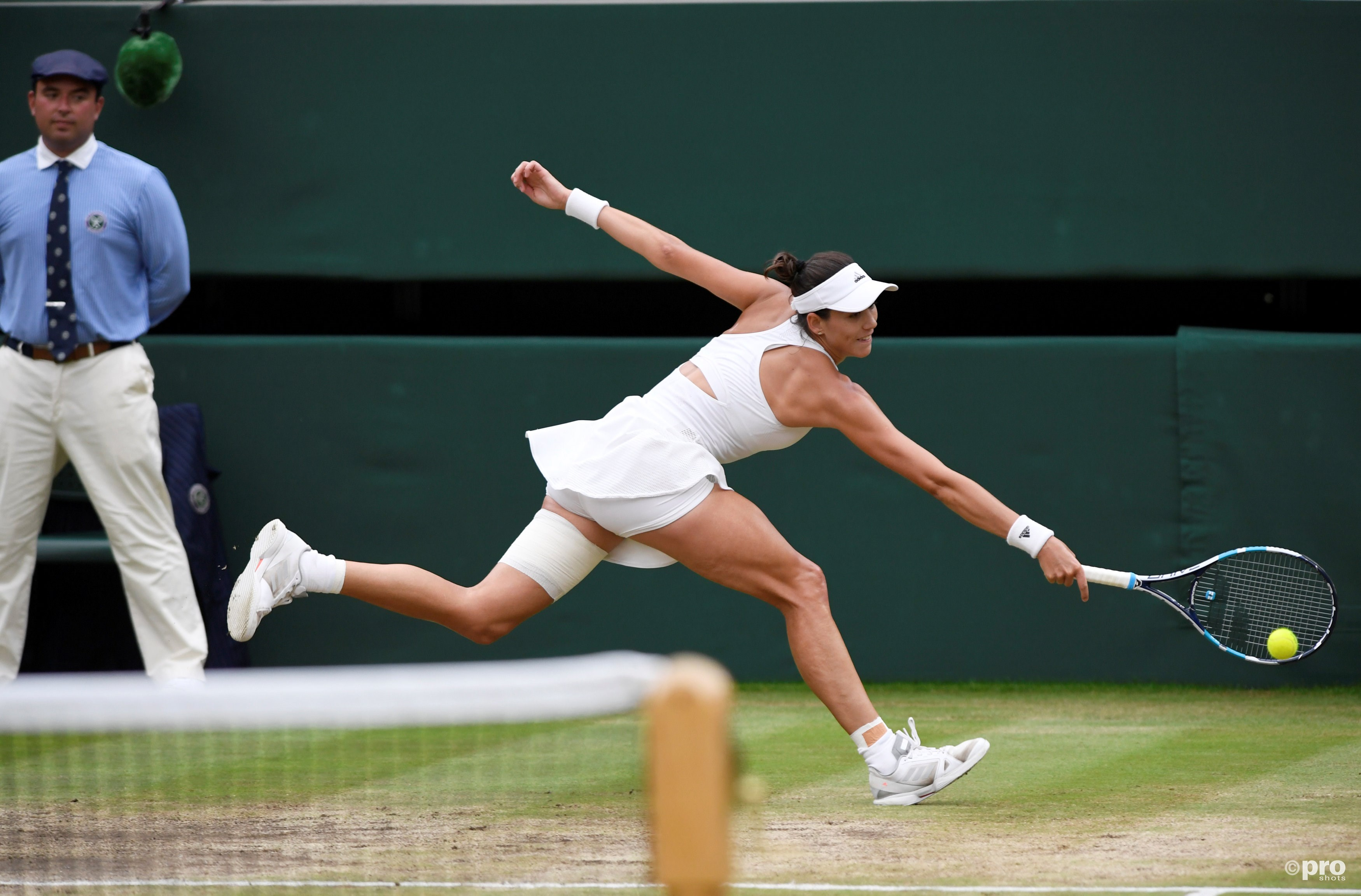 Muguruza in actie in de Wimbledonfinale (Pro Shots/Action Images)