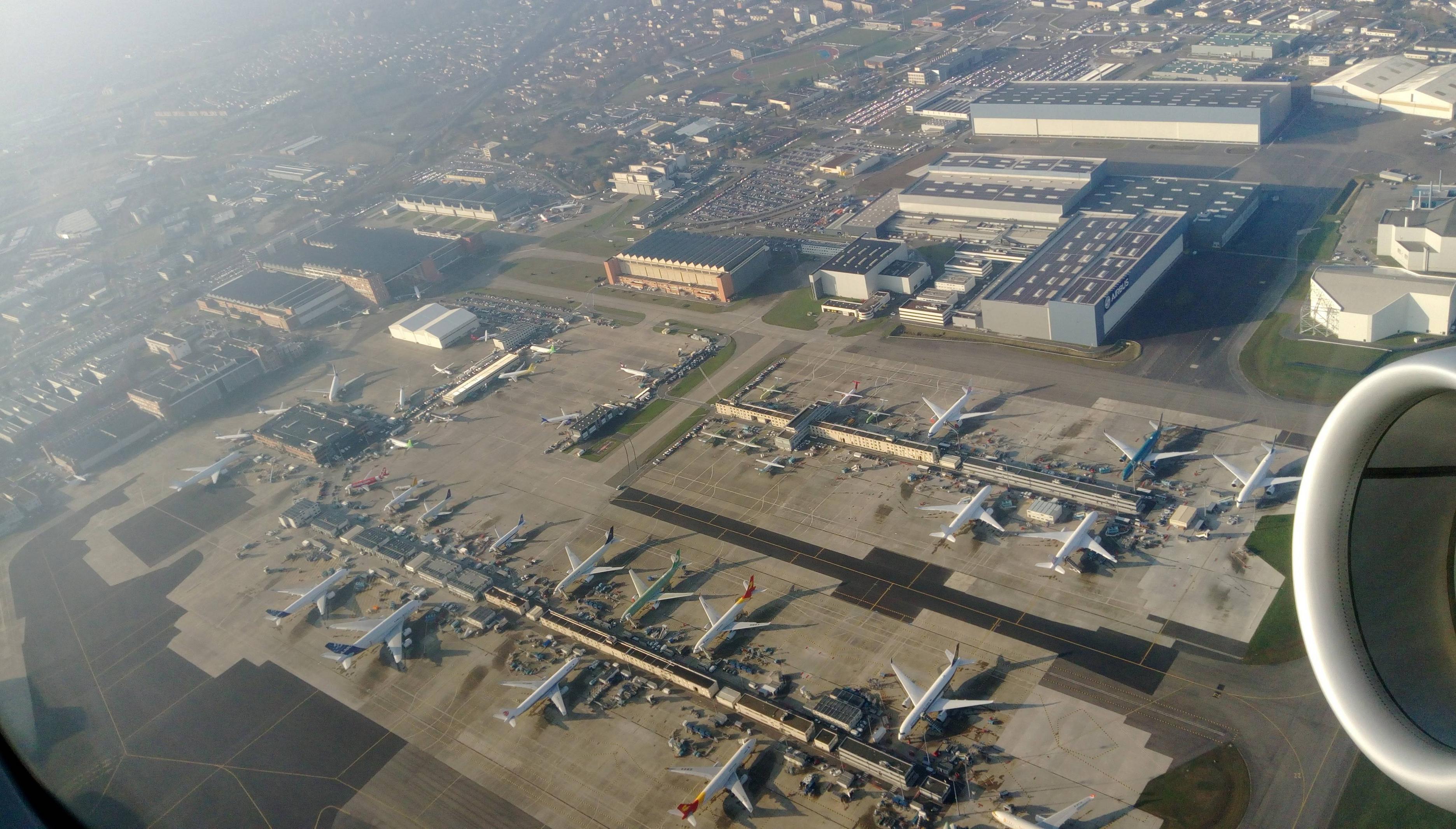 Het vliegveld Toulouse-Blagnac (Foto: Panoramio)