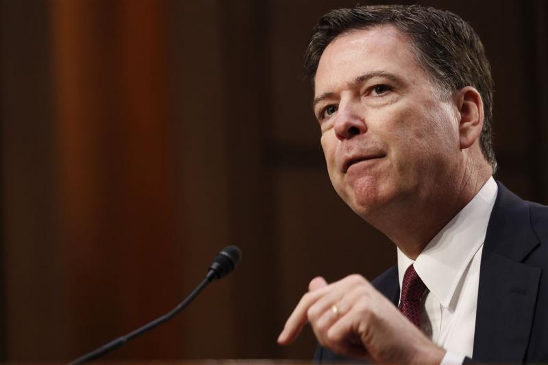 Ontslagen FBI-baas Comey schrijft boek