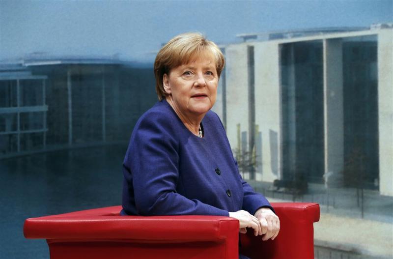 Merkel reageert bedaard op plan Schulz