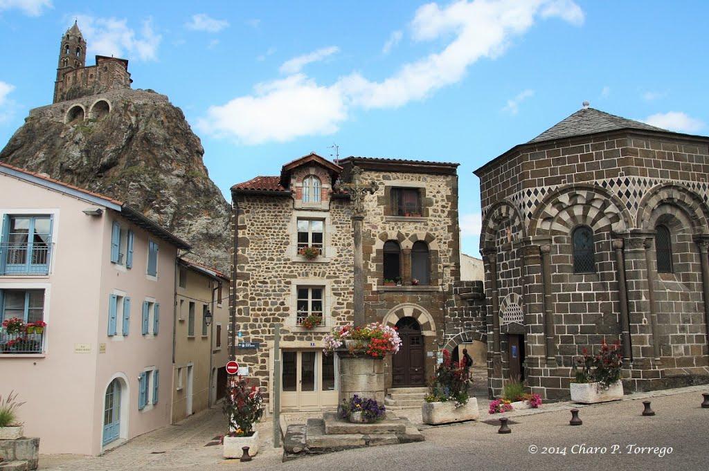 Nog een blik op Le Puy-en-Velay (Foto: Panoramio)