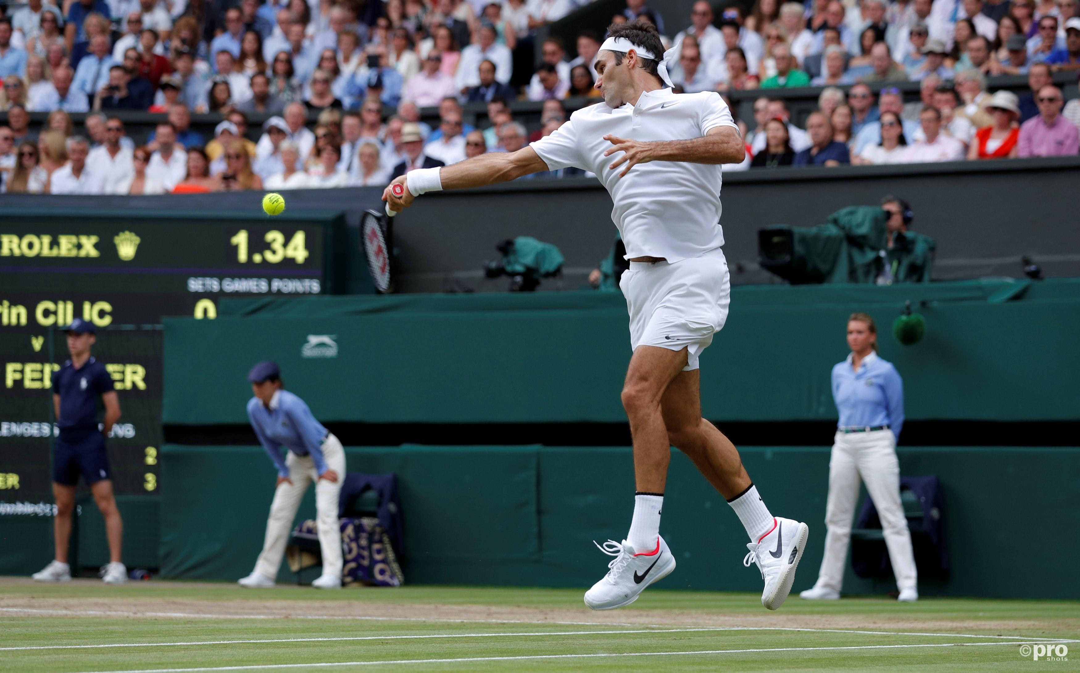 Federer deelt een klap uit aan Cilic (Pro Shots/Action Images)