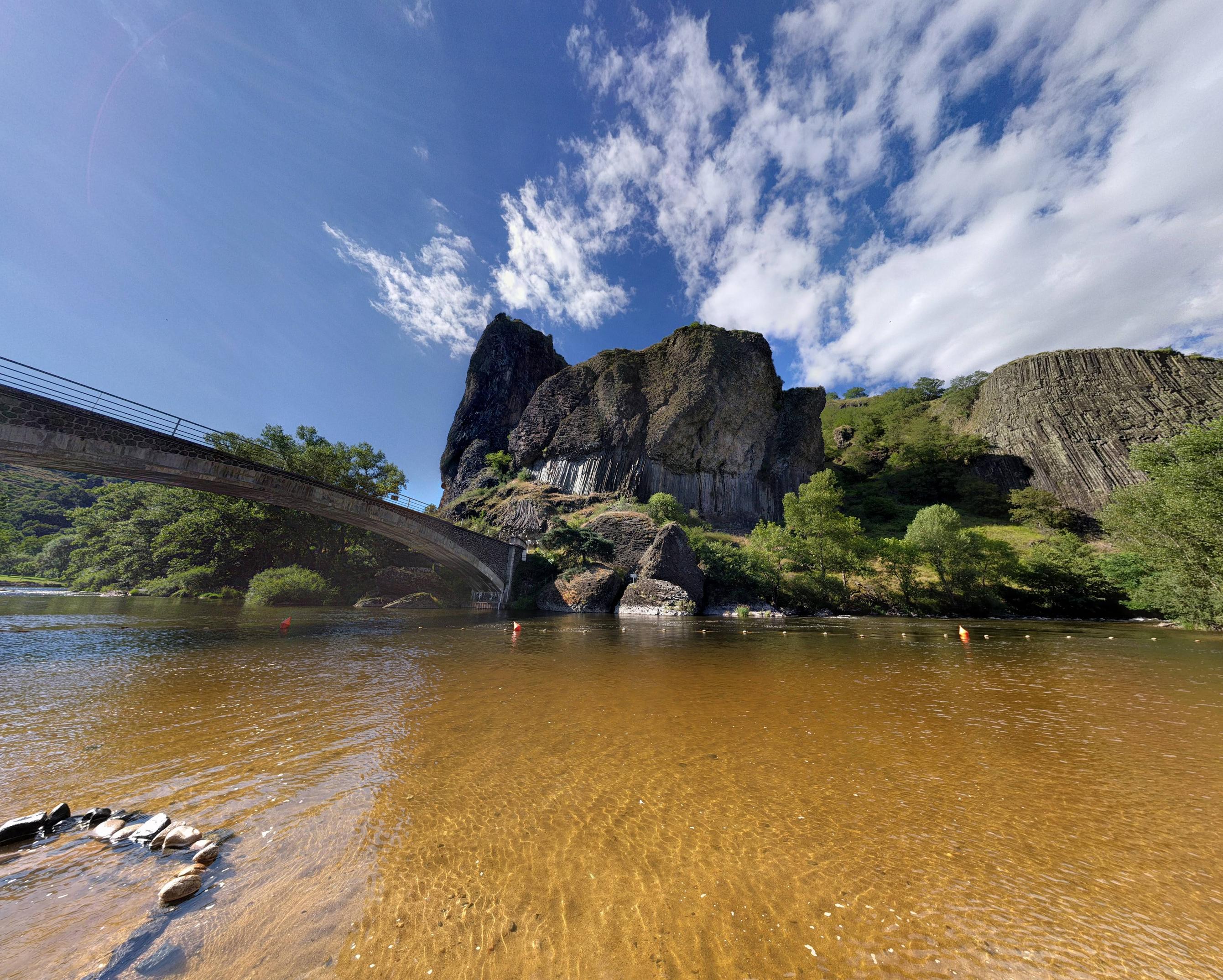 Een prachtige kloof bij Prades (Foto: Panoramio)