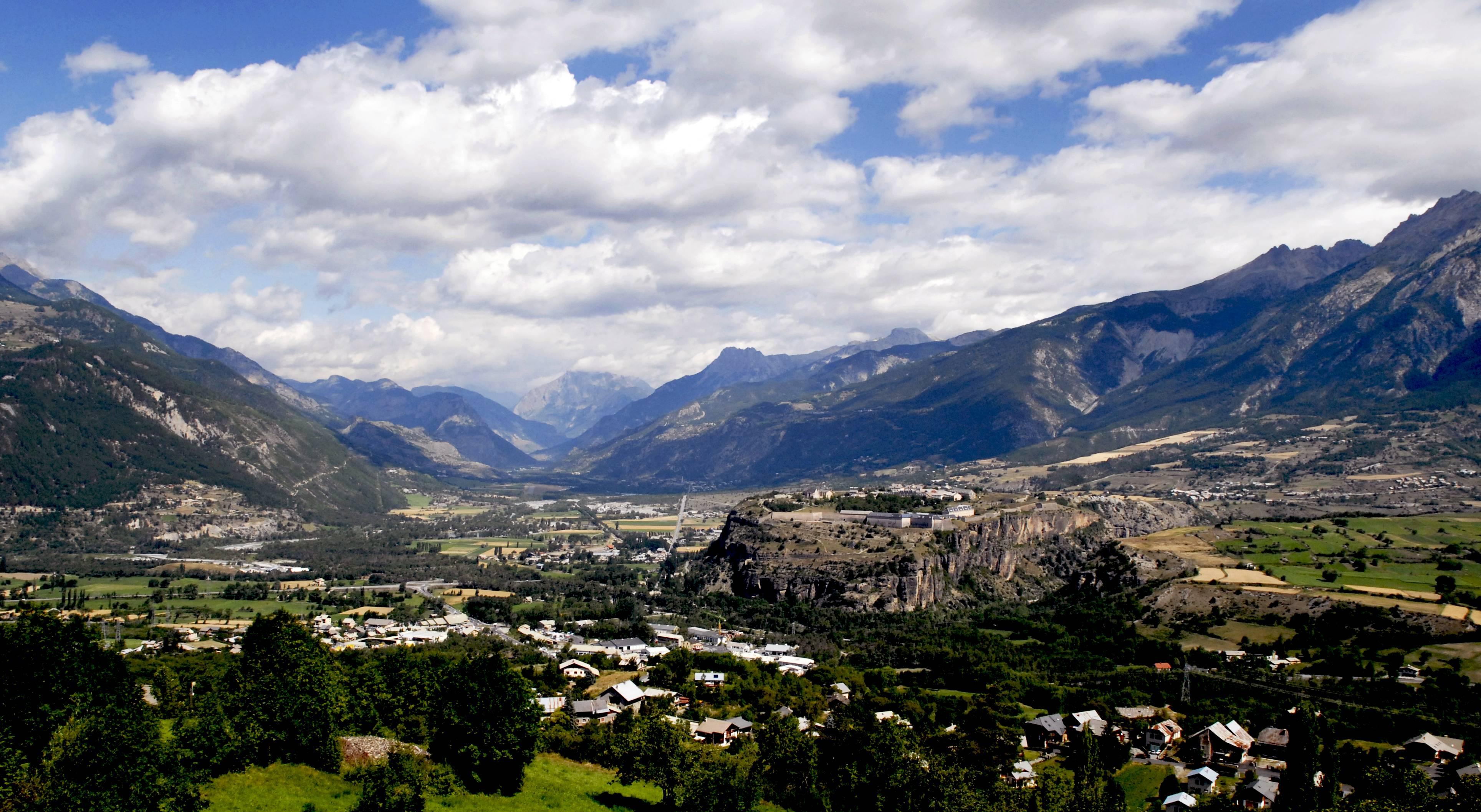 We gaan zo langzamerhand richting de slotklim van de Tour (Foto: Panoramio)