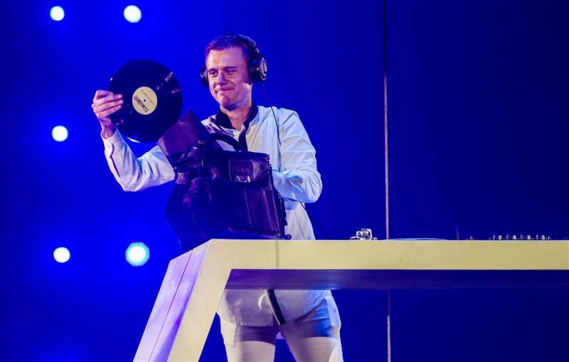 Armin van Buuren gaat voor lol in de studio