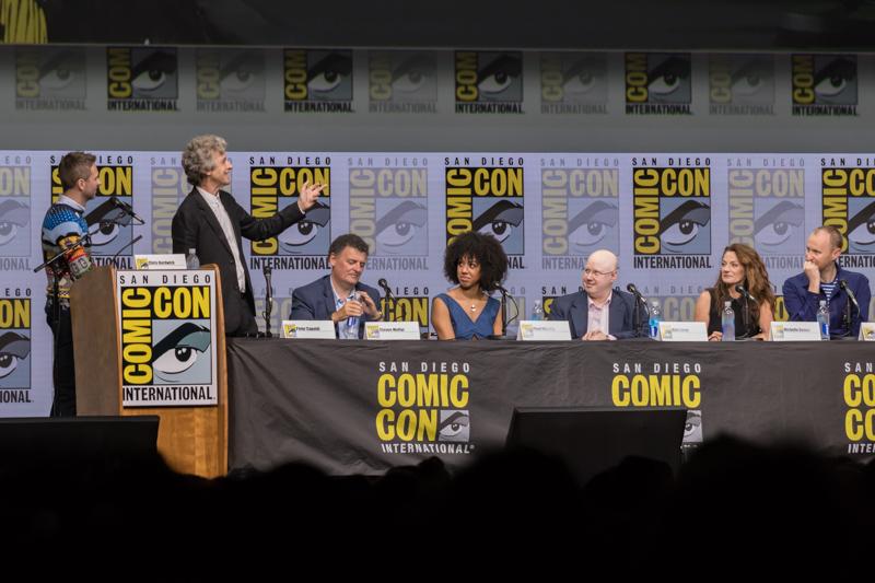 Peter Capaldi bedankt zijn Doctor Who-collega's tijdens Comic-Con afscheid (Foto: Yuen Li)