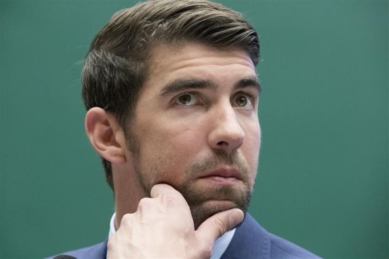 Michael Phelps zegt sorry voor nep-haai