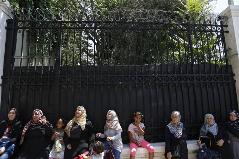 EU huurt huizen voor vluchtelingen Griekenland