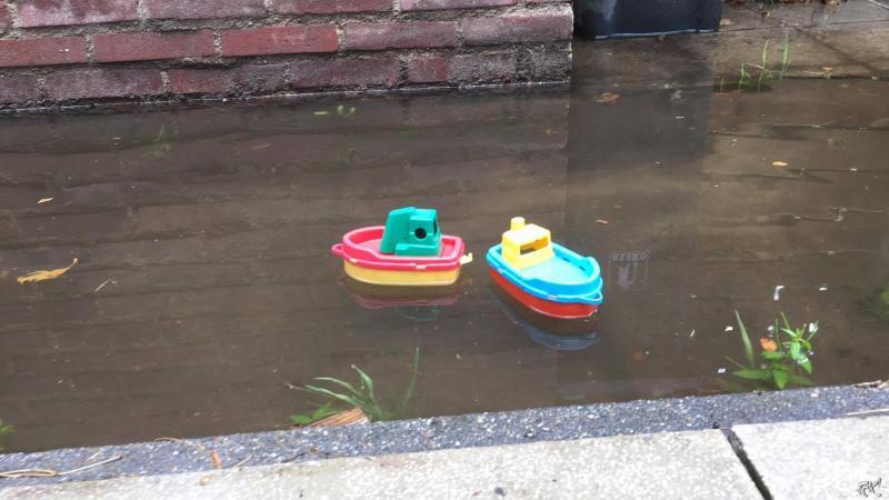 Bewoners zijn wateroverlast beu (Foto: anoniem)