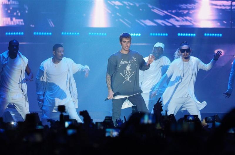 Justin Bieber blijft toeren en muziek maken