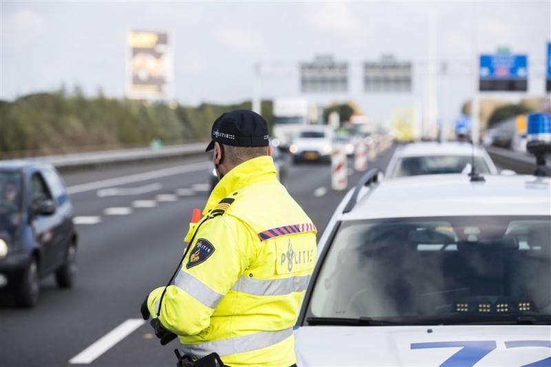 Dronken man 'slakt' over de snelweg