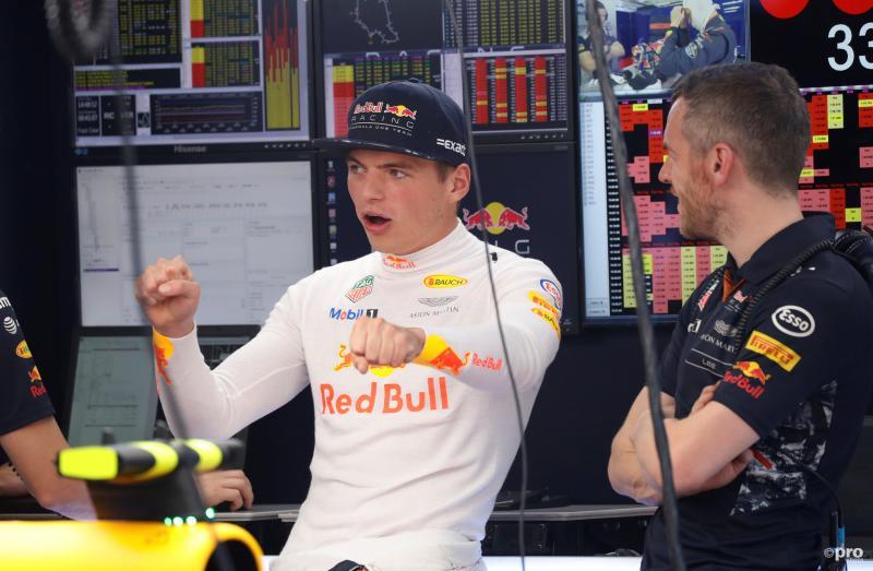 Wat probeert Max Verstappen hier duidelijk te maken tijdens de Grand Prix van Hongarije? (Pro Shots / Action Images)