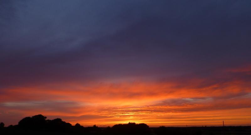Ook Rewimo maakte een foto van de prachtige zonsondergang twee dagen terug (Foto: Rewimo)
