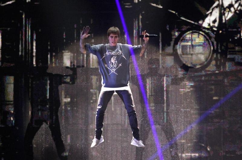 Justin Bieber reageert op afzeggen tournee