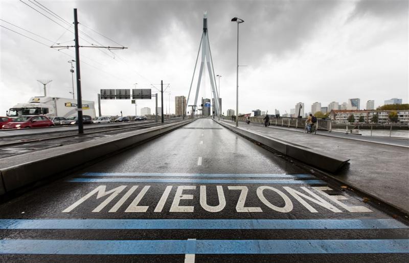 Rotterdam verbiedt oude benzine-auto opnieuw