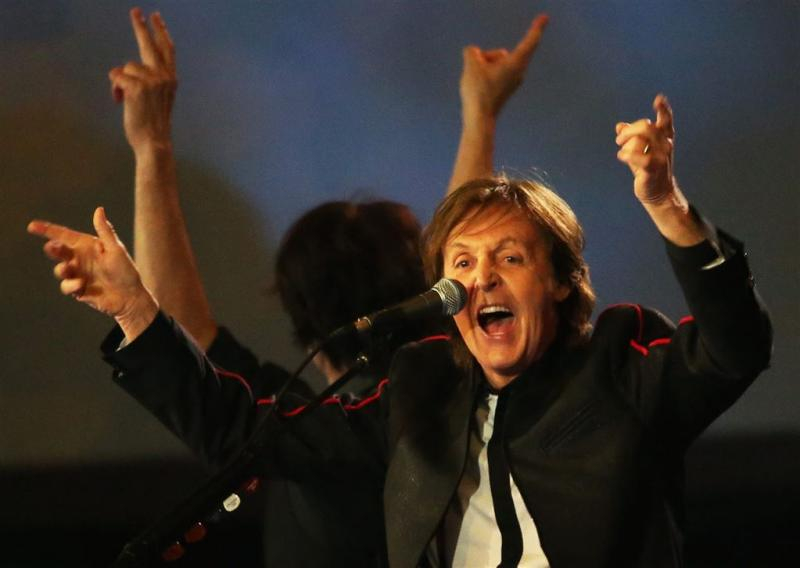 Paul McCartney drumt op album Foo Fighters