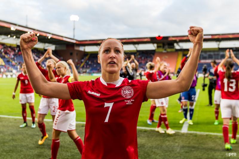 Deense vrouwen naar finale EK (Pro Shots / Marcel van Dorst)