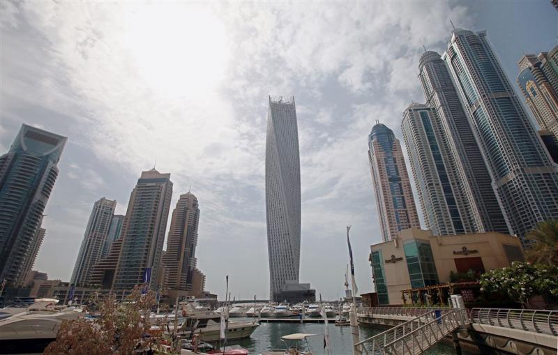 Grote brand in woontoren Dubai (2)