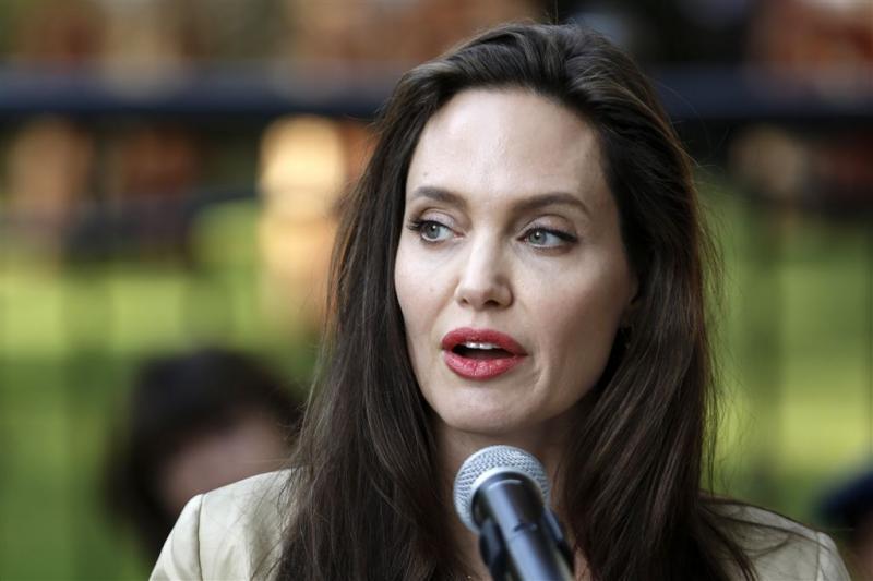 Vanity Fair weigert verbetering artikel Jolie