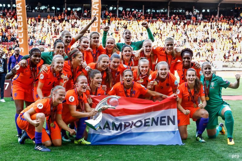Oranje leeuwinnen Europees kampioen (Foto: Pro Shots/Remko Kool)