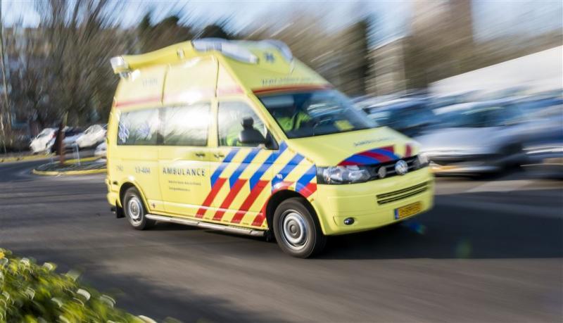 Man rijdt in Schagen in sloot en overlijdt