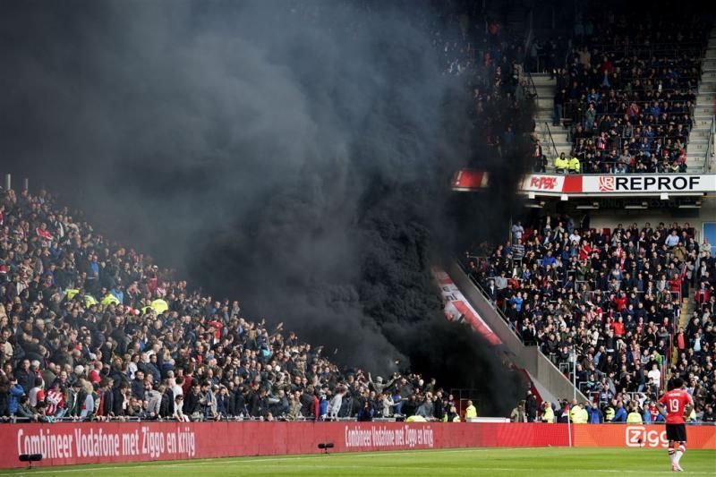 Nieuwe arrestaties om rookpotten PSV-Ajax