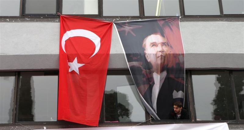 Turkije pakt talrijke journalisten op