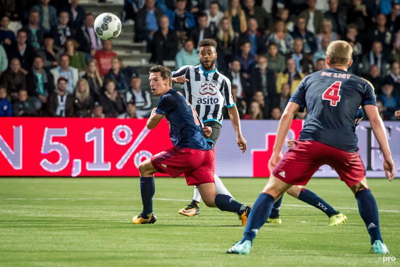 Kuwas schiet de 2-1 binnen en zorgt voor stunt tegen Ajax (Foto: Pro Shots/Lars Smook)