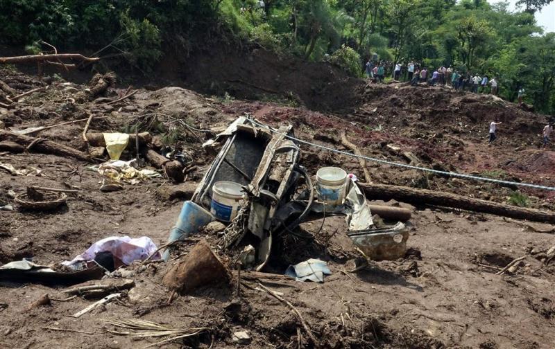 Zeker 46 doden door aardverschuiving India