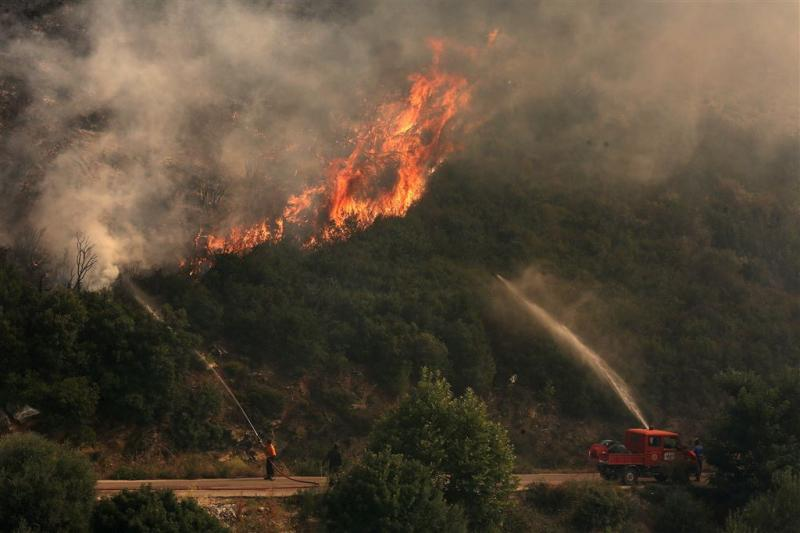 Bosbranden Griekenland houden aan
