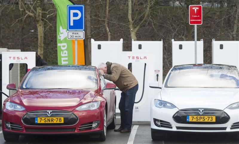 'Explosieve groei elektrische auto's Randstad'