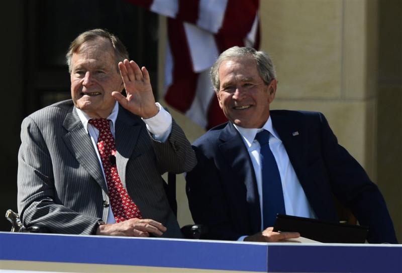 Oud-presidenten Bush: racisme altijd verwerpen