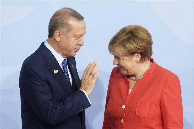 Erdogan: Turken moeten tegen Merkel stemmen