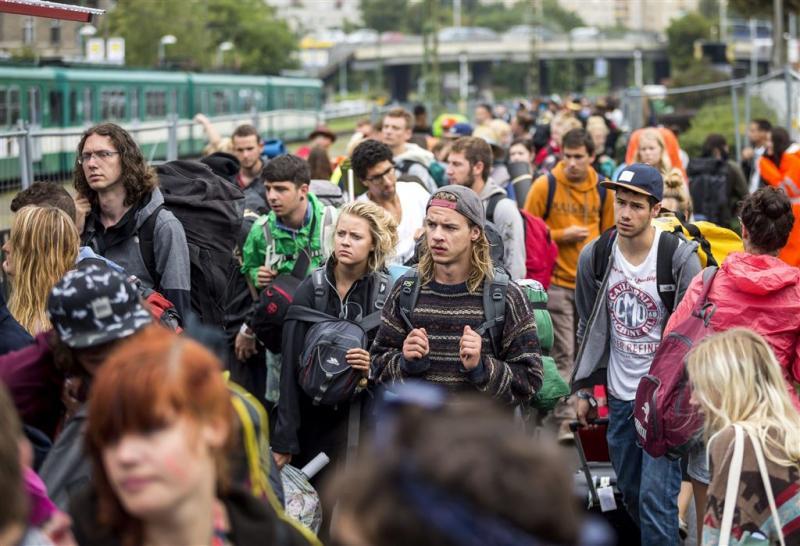 Festivalgangers Sziget al uren vast in trein