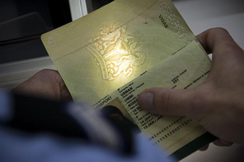 'Visumplicht tegen opmars criminele Albanezen'
