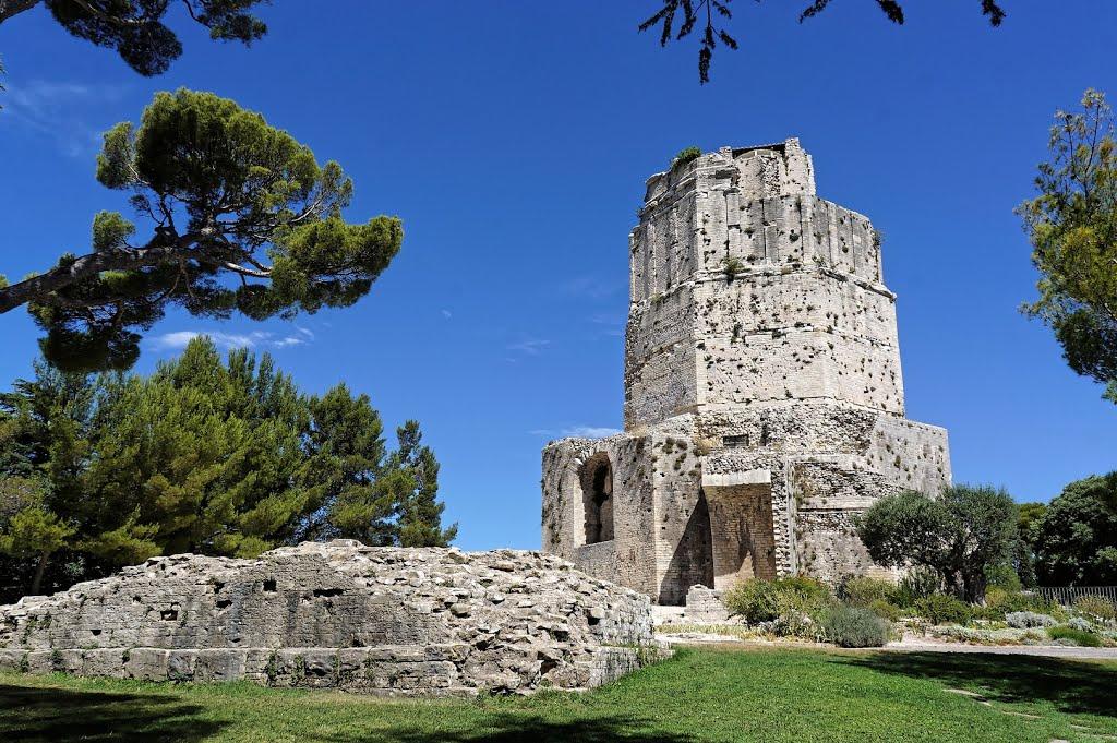 La Tour Magne bij de Alto de Nîmes (Foto: Panoramio)