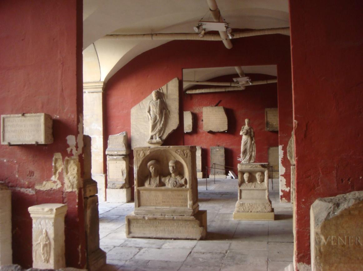 Genoeg te zien in het archeologisch museum in Nîmes (Foto: WikiCommons)