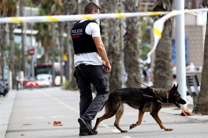 Spaanse politie zoekt nog steeds één man