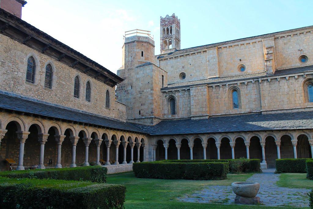 We rijden door La Seu d'Urgell (Foto: Panoramio)