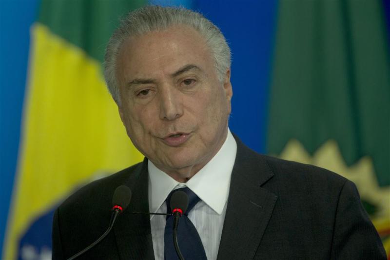 Doden en vermisten na schipbreuk Brazilië