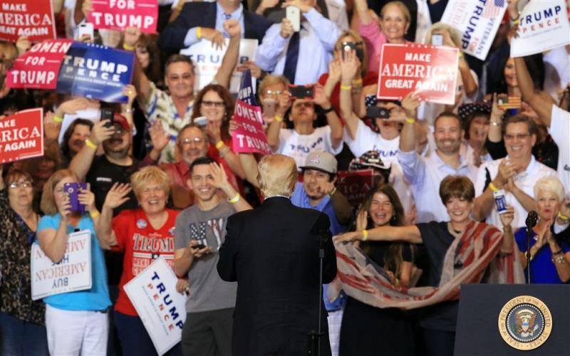 Duizenden betogers op de been tegen Trump