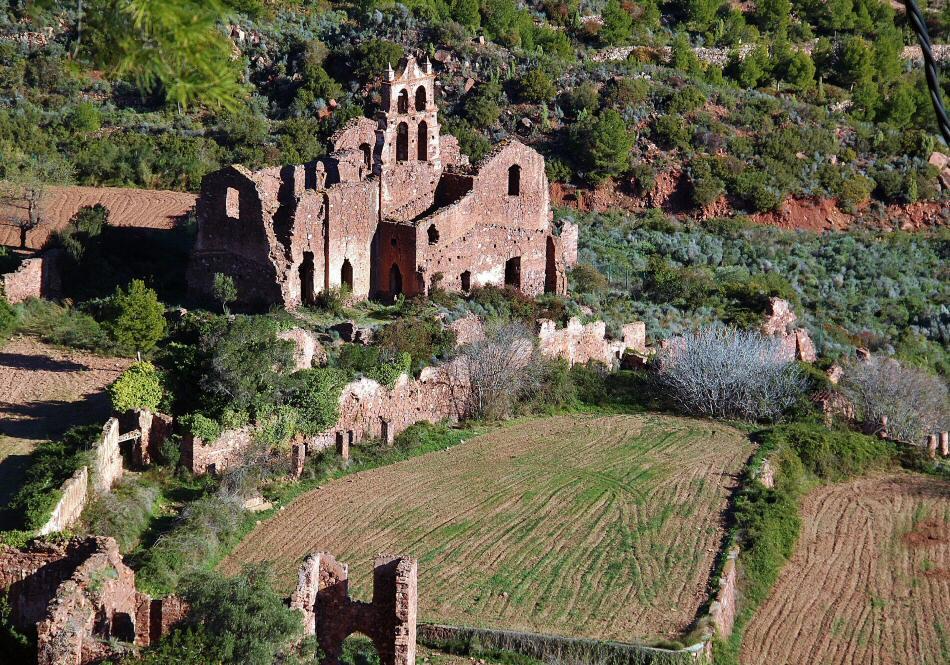 Het vervallen klooster op de Alto del Desierto de las Palmas (Foto: Panoramio)