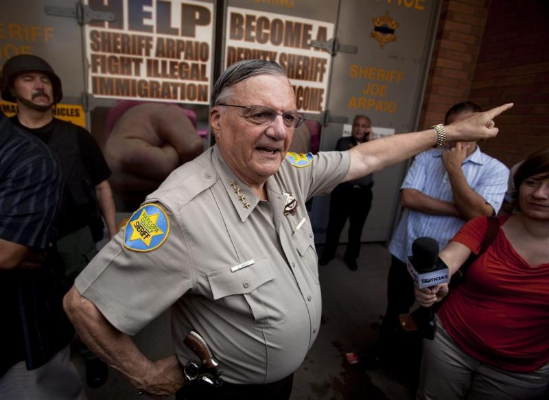 Trump verleent omstreden sheriff gratie