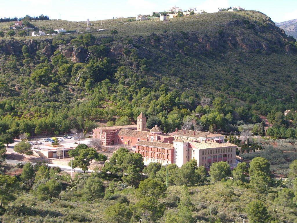 Het fraaie klooster van Santa Eulalia (Foto: Panoramio)