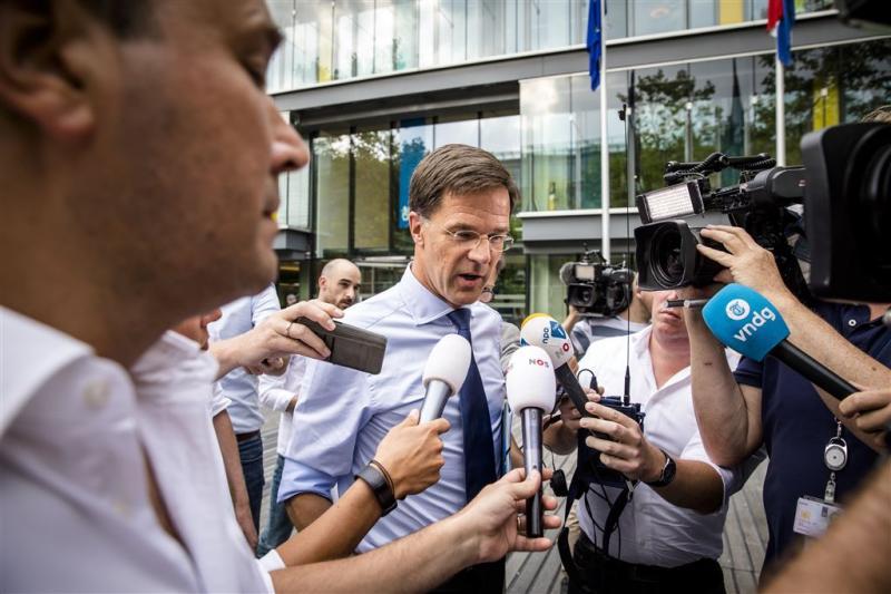 VVD en PvdA praten weer over lerarensalarissen