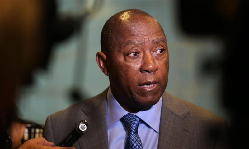 Burgemeester Houston vraagt regering om geld