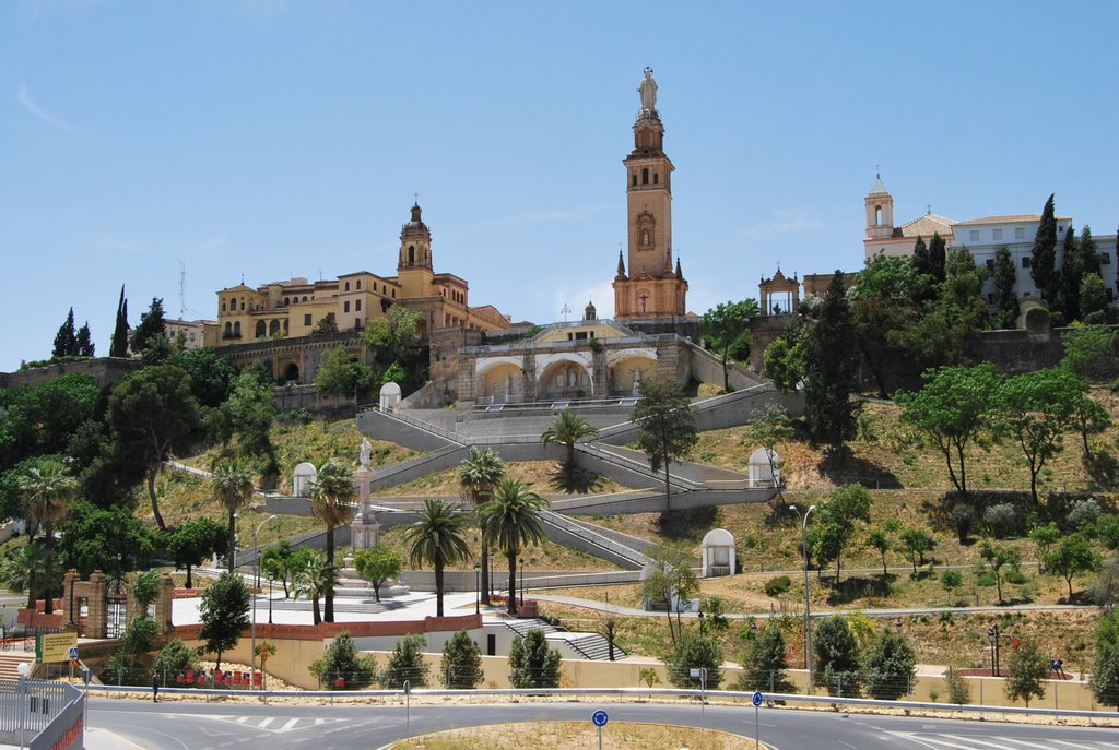 Buiten Tomares vinden we nog wel een leuk gebouw (Foto: Panoramio)