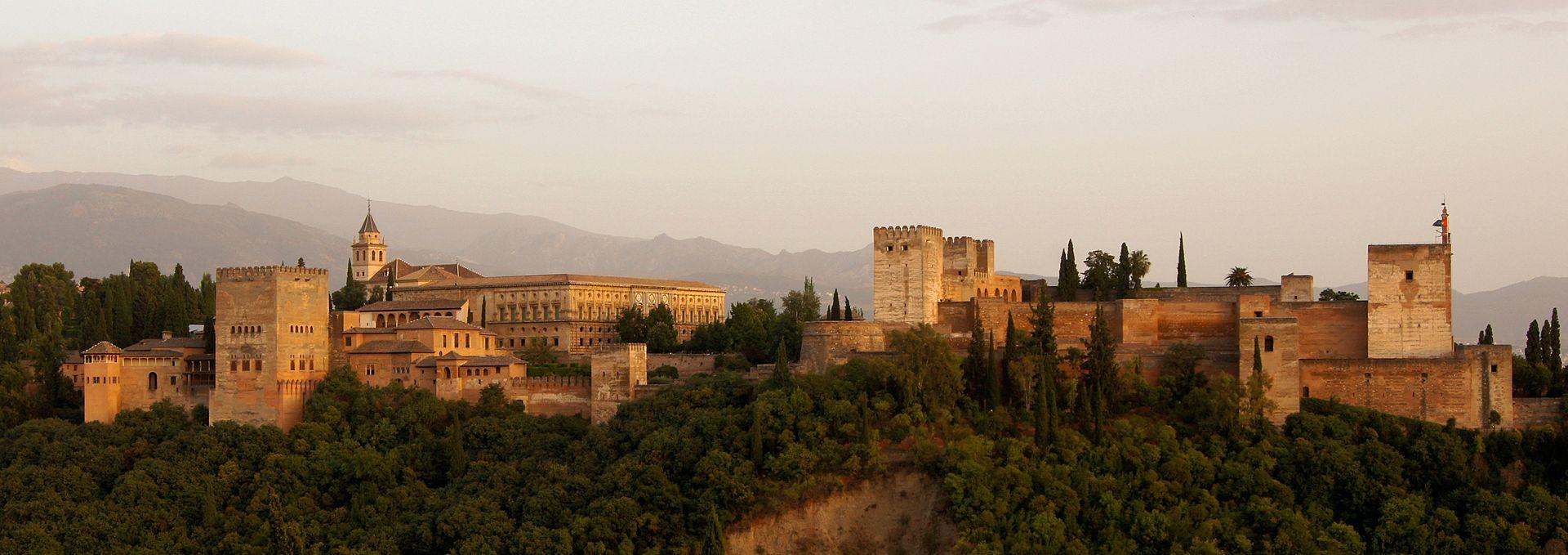Het wereldberoemde Alhambra (Foto: WikiCommons)
